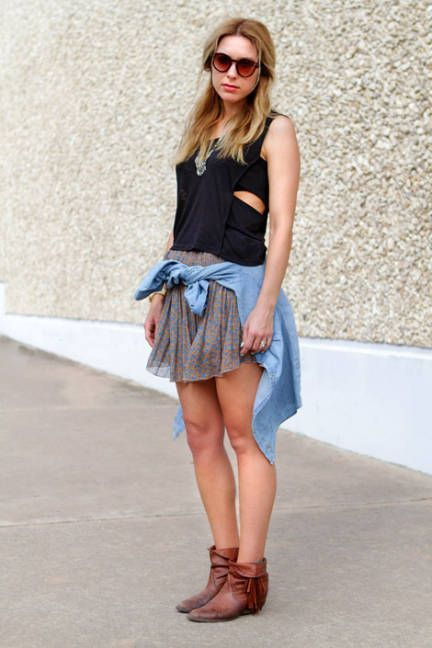 Street Chic: SXSW - Discover More Street Style - ELLEStreet Fashion,  Minis, Ankle Boots, Fashion Crushes, Street Stylin, Street Style, Denim Shirts, Festivals Fashion, Street Chic