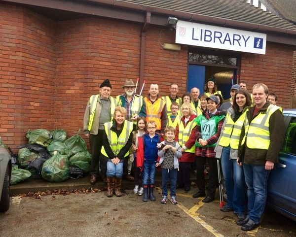 Literary Litter Pickers help tackle the trash