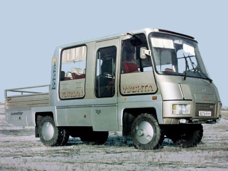 КАвЗ-32784-010 - полноприводный двенадцатиместный грузопассажирский автобус с бензиновым двигателем