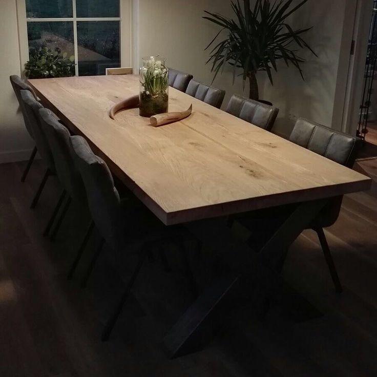 """Voor een tafel op maat draaien wij onze handen niet om  Uit Eigen Meubelsmederij   S T A M -  L E E FT A F E L S  WIN GRATIS  INTERIEURCHEQUE  100- Wij vervaardigen op ambachtelijke wijze de mooiste maatwerkmeubelen uit eigen Meubelsmederij. Tag iemand die een tafel zoekt.  deel dit bericht op je """"Eigen"""" tijdlijn !  Vervolgens ontvang jij van ons een Interieurcheque ter waarde van maar liefst  100- !! als diegene die jij getagt hebt bij ons een tafel op maat koopt.  Ook op zoek of wellicht…"""