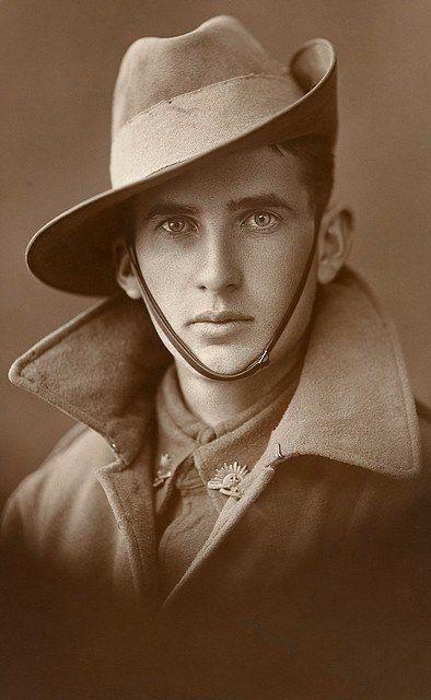 Неизвестный солдат-новобранец Австралийской добровольческой армии. Австралия, 1910-е.