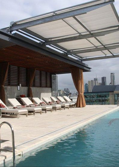 Photo gallery for markilux retractable canopies awnings for Tent over house