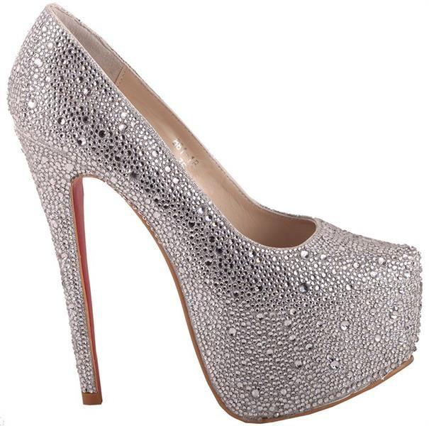 Серебристые туфли на высоком каблуке или на шпильке