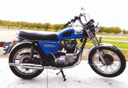 1978 Triumph Bonneville T140 - MidAmerica Auctions LAS13