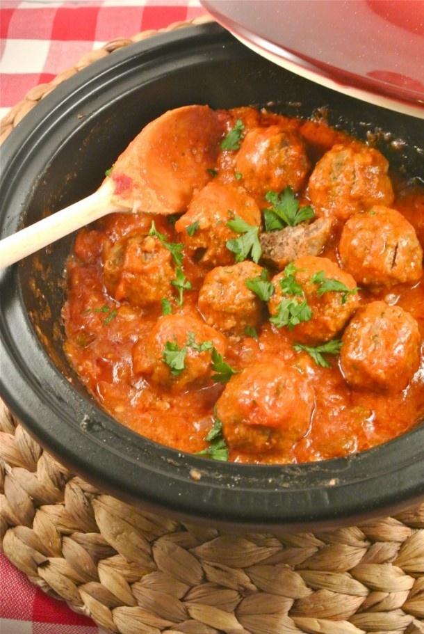Glutenvrije gehaktballetjes bereid in de Tajine in tomaten...