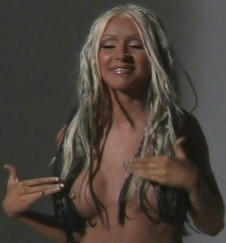 christina-aguilera-topless-photoshoot-video-uncensored-sexe-image-porno