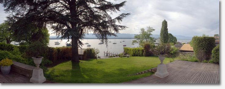 House in Cologny lake front - view Jet d'Eau *****  | 11200 CHF  Exclusive 5 bedroom property, with separate staff house and private port. Overlooking the placid waters of lake Geneva and its Jet Eau you are on the prestigious Belle Rive. Only minutes away from Gen