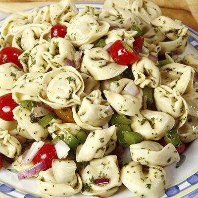 Salade de pâtes Tortellini aux Trois Fromages à la Grecque | Metro