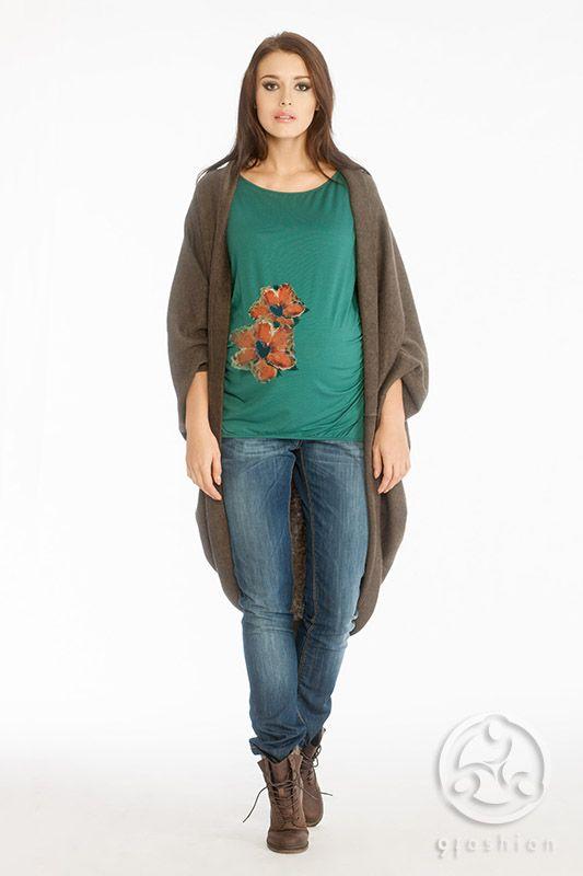 Triss sweater chocolate with Rona blouse malachite and Trezo trousers indigo