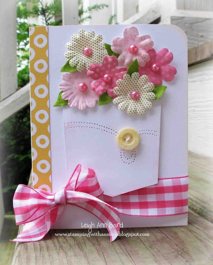 Pocket-full of flowers really set this DIY Mother's Day card apart from all the rest.