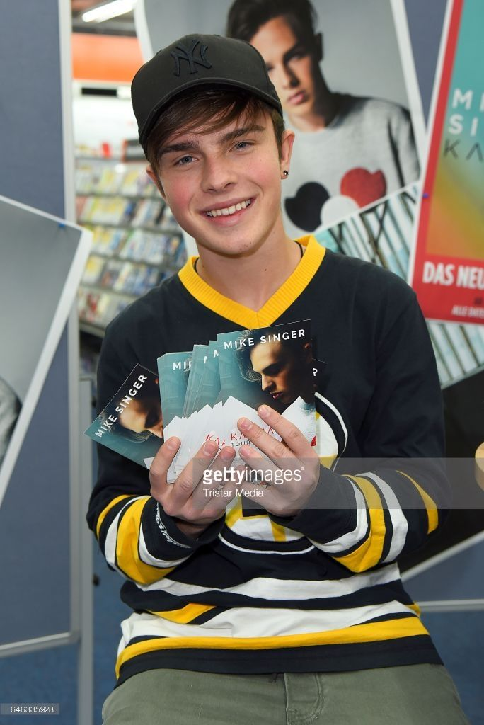 Mike Singer promotes his new CD 'Karma' at an autograph session at Saturn Elbepark on February 28, 2017 in Hamburg, Germany.