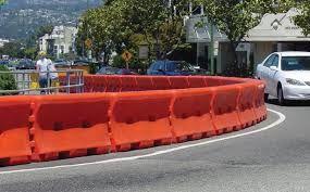 plastic road barriers에 대한 이미지 검색결과