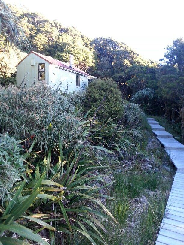 Andersons Memorial hut Tararua.