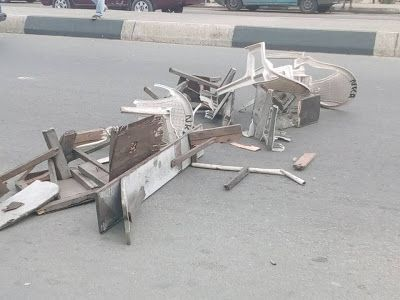 Photos: Elderly Man Barricades Major Road In Rivers After Some Government Officials Destroyed His Plastic Chairs   The elderly man Pa Nka pictured above today partial closed down a part of the Elekahia major road leading to the Yakubu Gowon Stadium Port Harcourt and Rumuomasi Community in protest.  According to Facebook user Anuebunwa Chidozie the elderly man blocked the road after some officials from the states Ministry of Urban Development vandalized the plastic chairandbench used by his…