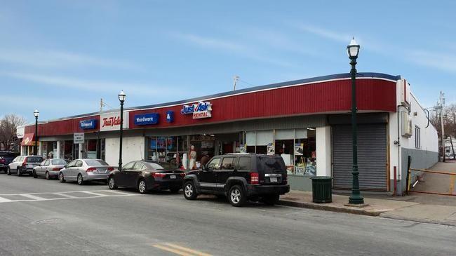 899 Washington Street, Braintree MA.  Richmond Hardware Building - Retail Space for Lease.