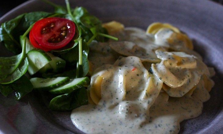 Ostfylld pasta med en härligt krämig sås smaksatt med spenat & gorgonzola.