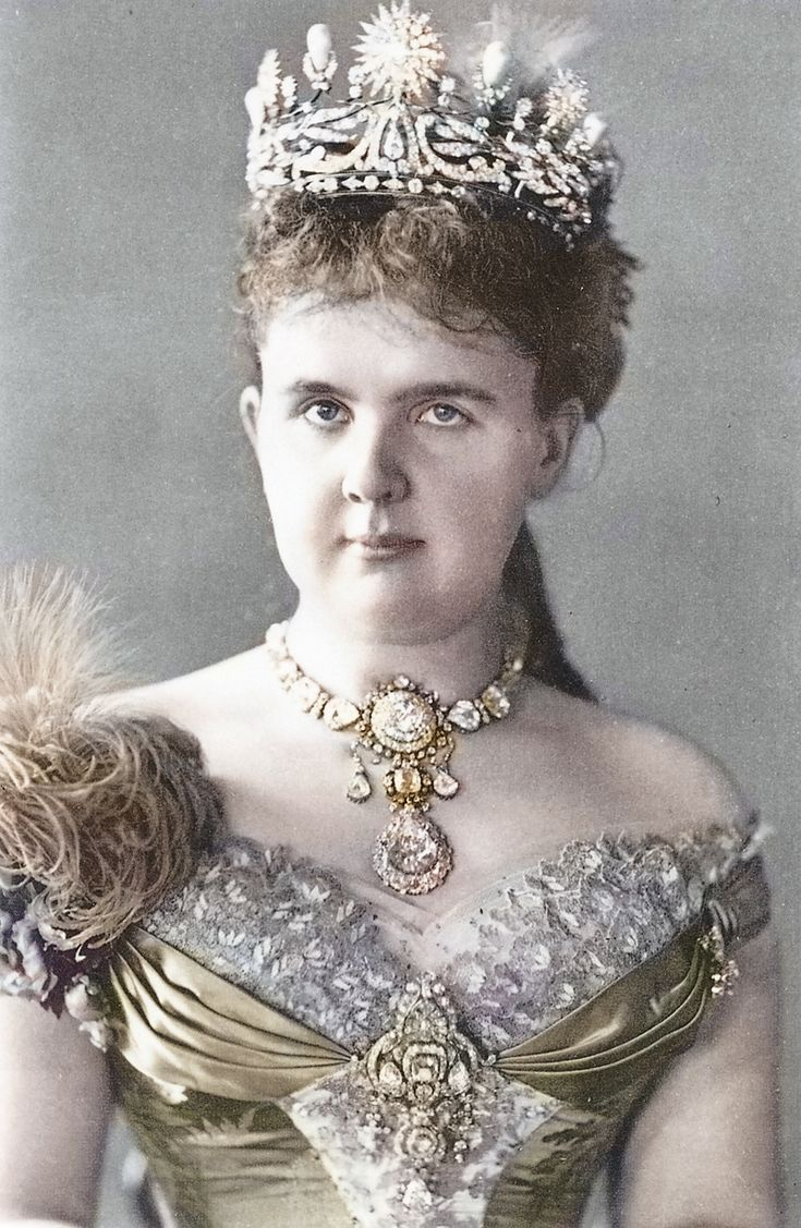 1880 Queen Emma of the Netherlands, probably at her coronation, aged 18