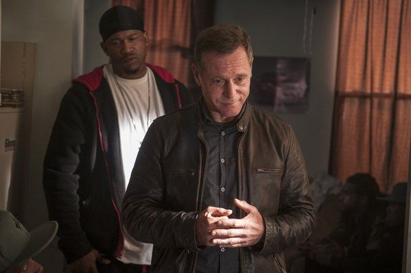 Jason Beghe in Chicago PD (right) pic - Chicago PD picture #24 of 46
