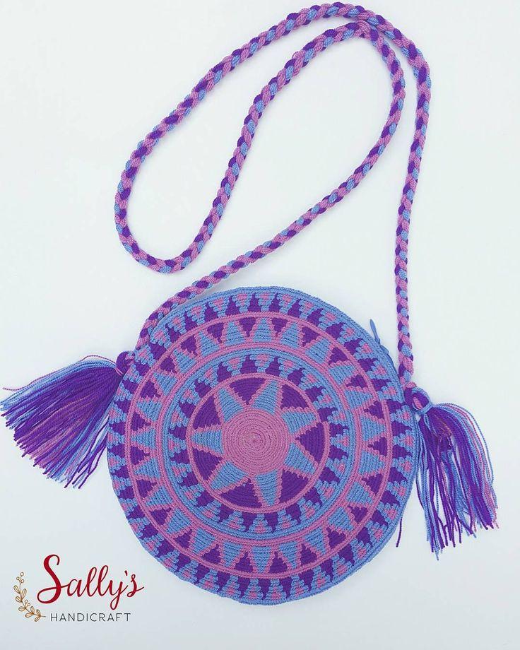 "23 Beğenme, 1 Yorum - Instagram'da กระเป๋าวายูแท้100% Wayúu bag (@sallyshandicraft): ""Small wayúu bag(with zip). Original made by Wayúu Artisans live in local Wayúu of la Guajira.…"""