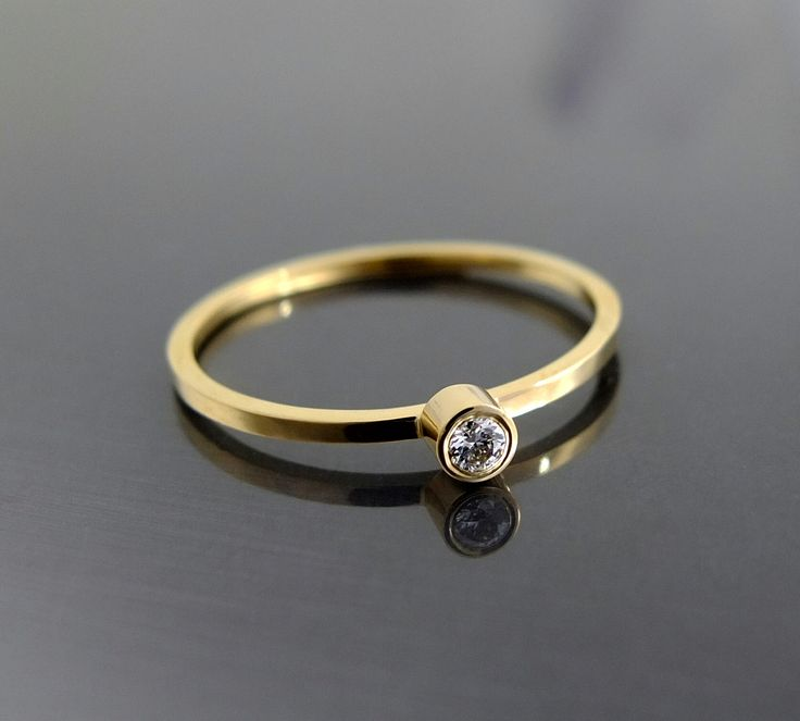 Pierścionek BIZOE z brylantem idealny na zaręczyny