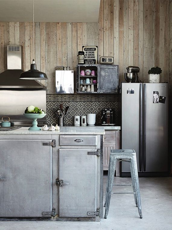 LOVE OR NOT: Industrial kitchens   Image by Pascal Francois via Rum Hemma.