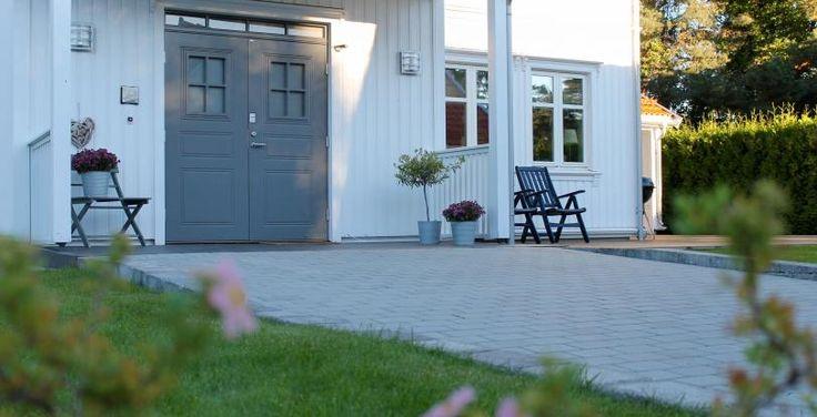 Belegningsstein Kongsgård Grå Langesund Grå utgangsdør Aaltvedt Stein