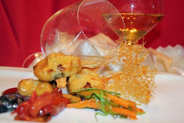 Baccalà in tempura di ceci aromatizzata con mentuccia e scalogno su ratatouille di verdure croccanti in cristallo d'agrodolce - ricetta inserita da Giuseppe Bondì