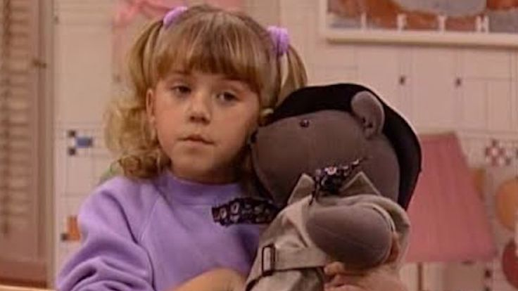 Jodie Sweetin Sells Stephanie Tanner's Beloved Mr. Bear From 'Full House'.