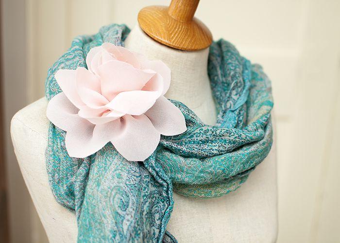 diy flower.: Craft, Lotus Flowers, Flower Fabric, Make Fabric Flowers, Fabrics, Flower Tutorial