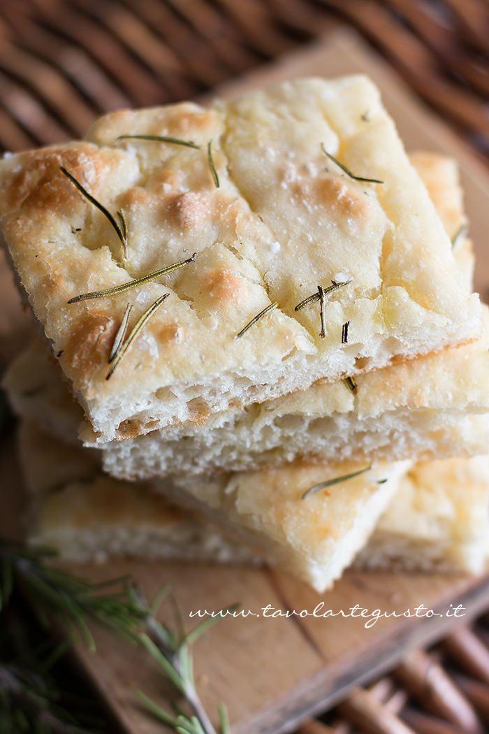 No knead Focaccia - Focaccia veloce e senza impasto http://www.tavolartegusto.it/2014/03/12/focaccia-veloce-e-senza-impasto/
