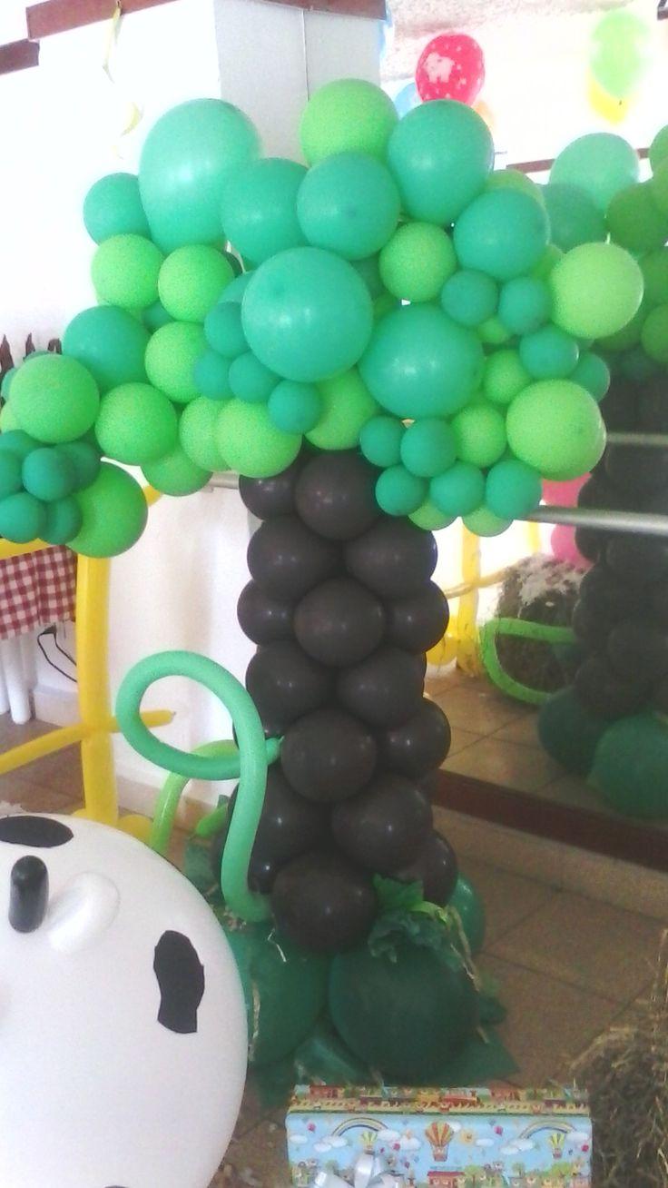 todo un árbol en globos