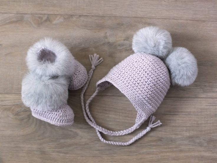 Double pom pom hat and booties set - Crochet baby clothes - Baby winter clothes - Pom pom hat - Faux fur boots - Gender neutral baby clothes by HandmadebyInese on Etsy