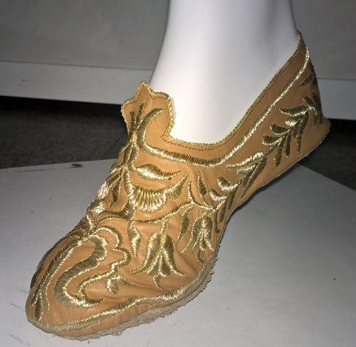 Crimean Tatar female shoe, close-up view