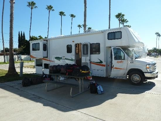 Packing your RV for the Spring season? Be it a long trip in a big Motorhome or just a little camping road trip... here's a great packing list, all you need to bring for your RV trip :)