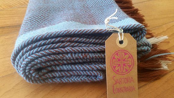Scialle altomedievale tessuto a mano in lana tessitura a