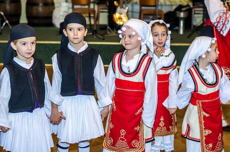 Setkání Řecké obce Praha... I Řekové mají rádi naše řízky  :) Kulturní vložka pochopitelně nesměla chybět.