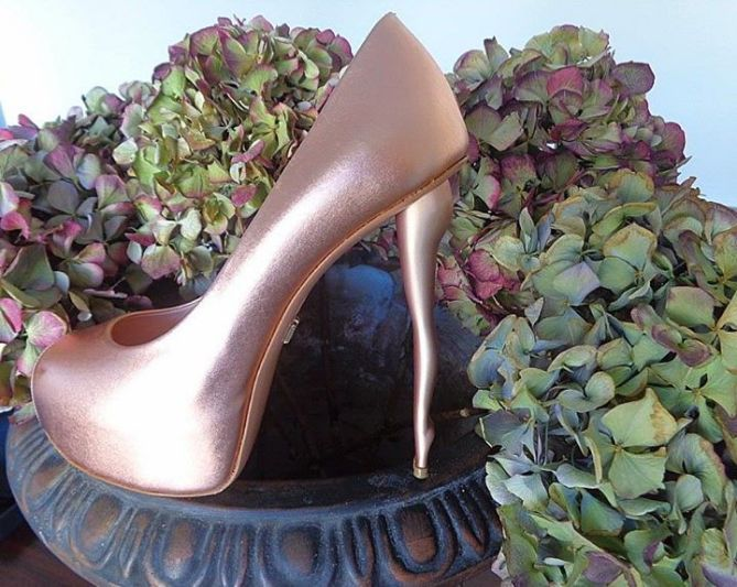 DUKAS CLASSSIC SILHOUETTE PINK-GOLD | Buy ➜ http://shoespost.com/dukas-classsic-silhouette-pink-gold/
