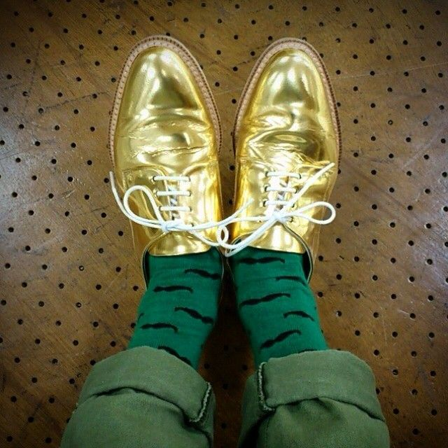 Dancing night! Repost from @_tsuka_12 #flyingtigercph #flyingtiger #tigerstores #green #socks #mustache #dots