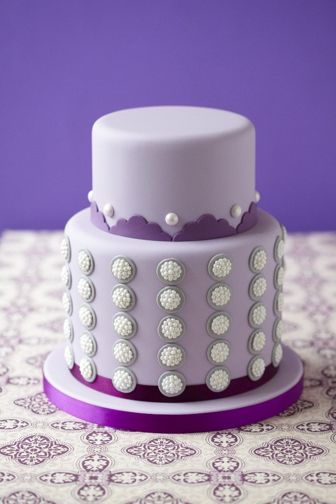 #CakeDecorating Pearl Cluster Cake #Issue34