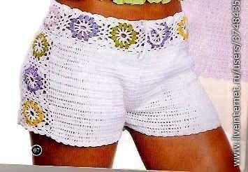 Shorts de crochê com detalhes de flores! Segue o gráfico CLIQUE NA FOTO PARA AMPLIAR