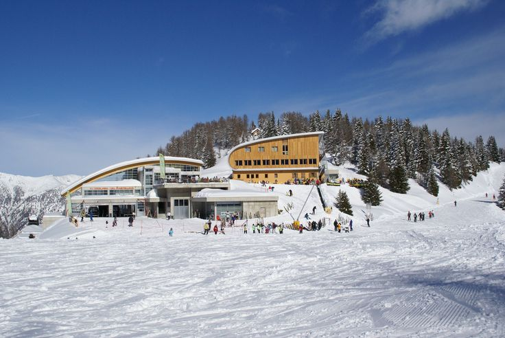 Horský hotel Rigugio Solander v italských alpách se nachází přímo na svahu.Využijte nabídku skvělého balíčku se skipasem na 6 dní, abyste si mohli vychutnat lyžování přímo ode dveří :) Více na: http://www.zimni-alpy.cz/lyzarske-zajezdy/ubytovani-na-sjezdovce-se-skipasem-v-hotelu-rigugio-solander/  #horskyhotel #alpy #italie #akce #skipas #ski #ubytovani #RigugioSolander #vsechnojeblizko