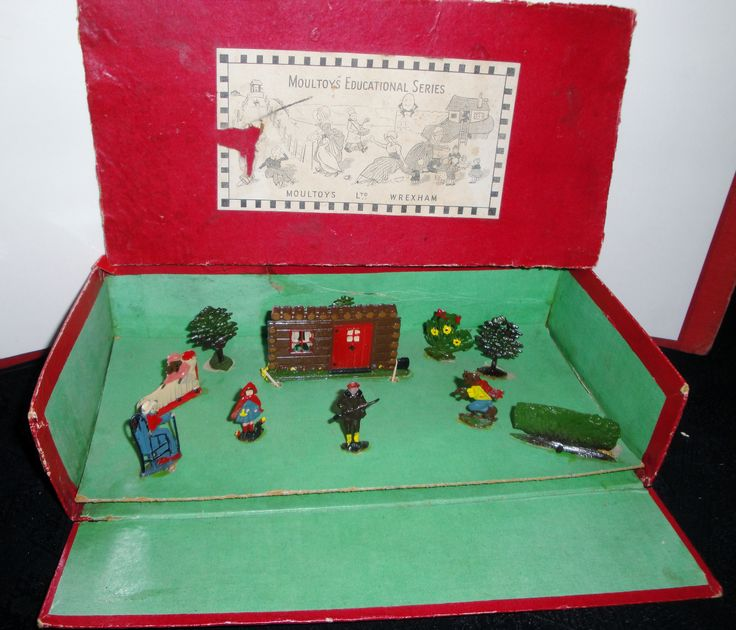 LITTLE RED RIDING HOOD Set by Moultoys c1930s