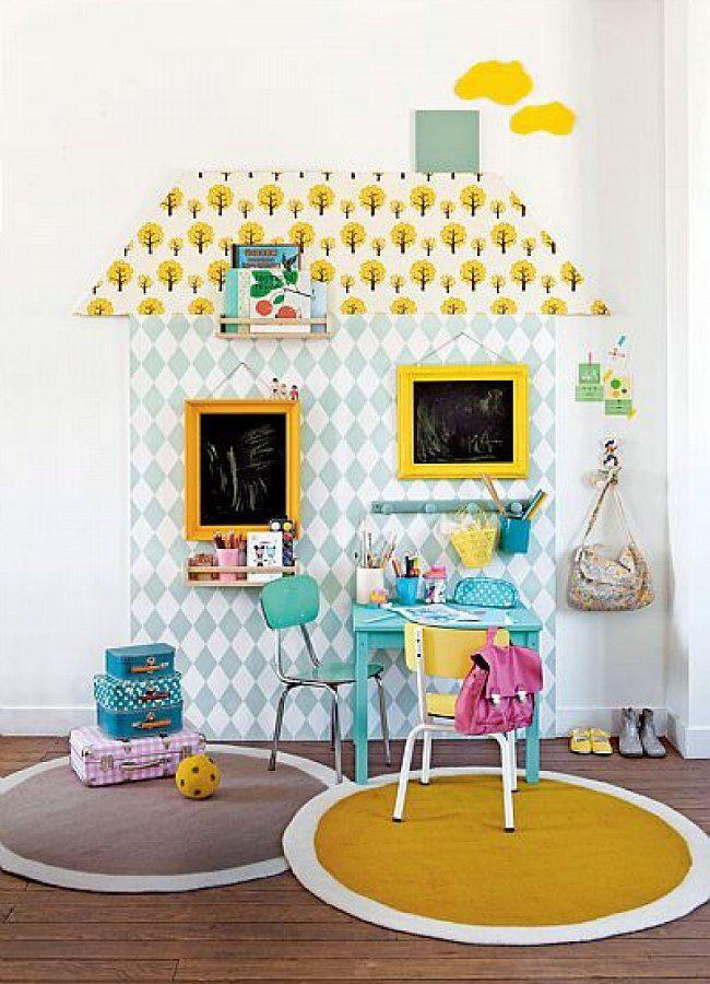 Paredes infantiles: casita de papel pintado