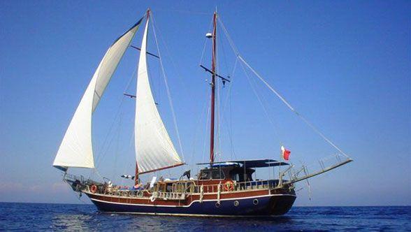 Gulet Victoria Yachtcharter Italien mit Crew, Luxusboot Urlaub in Sardinien und Korsika, was ist Ihr Bootsverleih in diesem Sommer? www.yachtboutique.eu Yacht Mieten