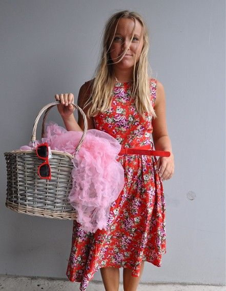 Nice summer dress with flower <3