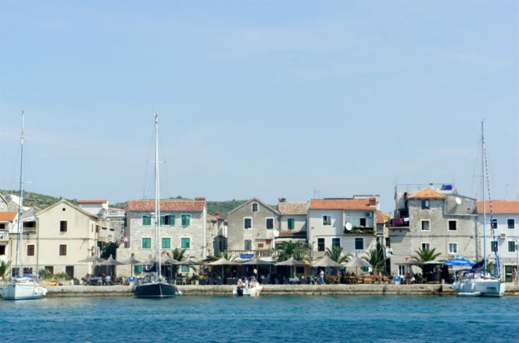 The small, peaceful village of Tribunj is built on a peninsula, it has a very pretty quay with waterside restaurants and bars and a great view out to the Adriatic and of the Sibenik archipelago.