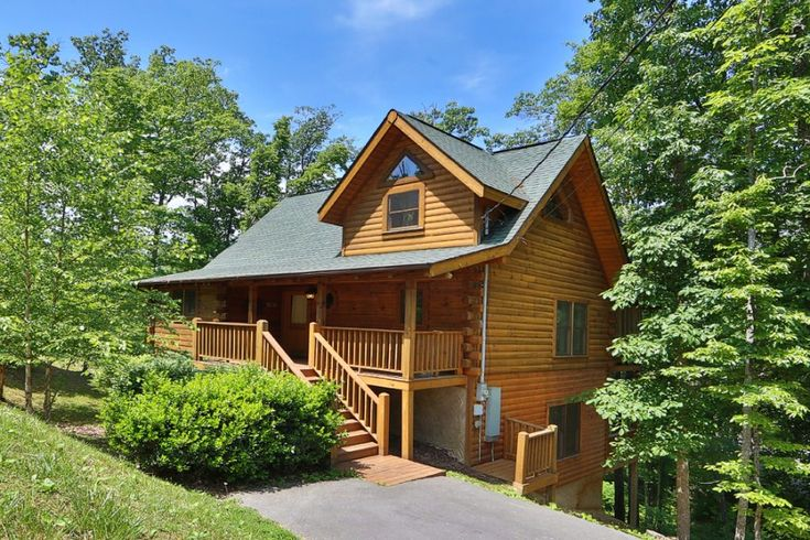 THUNDER MOUNTAIN 4 bedroom Pigeon Forge cabin rental