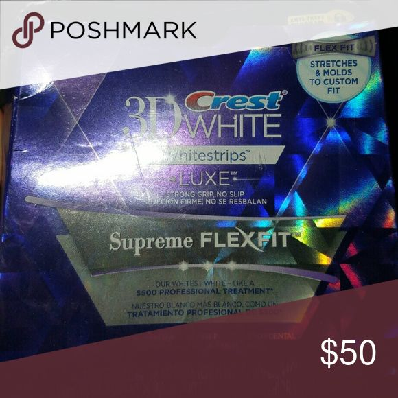 3D Crest Whitestrips Luxe Supreme FlexFit 3D Crest Whitestrips Luxe Supreme FlexFit  New in sealed packaging. Box is a little squished, but no damage to product.  Comes with 28 strips  I purchased for $60 and just never used  Price is firm**** Makeup