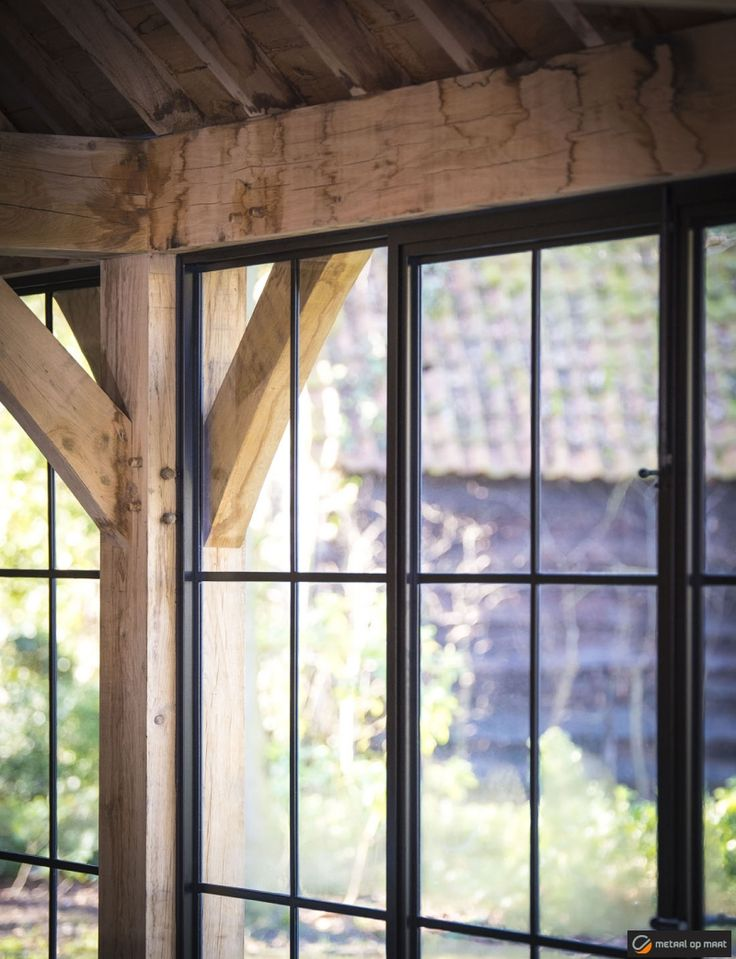 Johnny Declercq - Metaal op Maat | Stalen ramen,deuren,zuilen,...