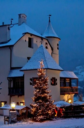 Weitmoser Schlössl at Christmas time in Bad Hofgastein, Austria | by Robin von Mendel